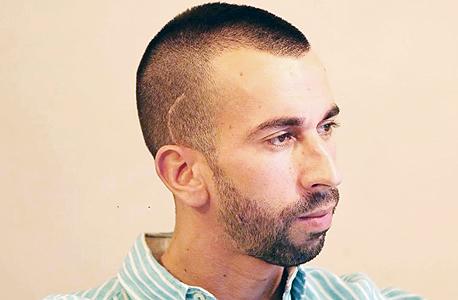אלקנה אלון, בכיר לשעבר ברמי לוי תקשורת