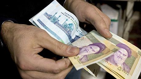 שטרות ריאל. מתי הבנקים ישובו לעשות עסקים עם איראן?, צילום: רויטרס