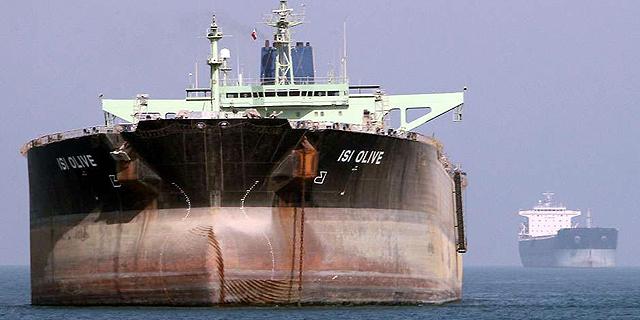איראן: שלמו לנו על הנפט שלנו ביורו - ולא בדולרים