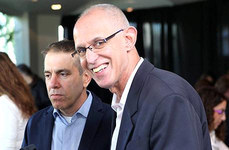 """מימין: אריק שור מנכ""""ל תנובה שפרש ואייל מליס המנכ""""ל החדש"""