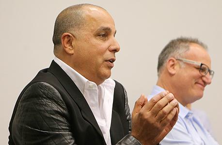 עמוס לוזון בפגישה עם מחזיקי אגח דורי קבוצה 2, צילום: נמרוד גליקמן