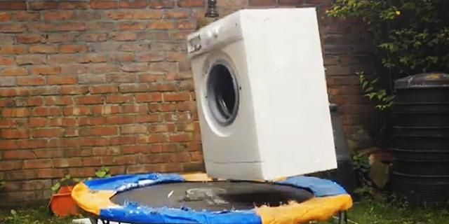 כן מוציאים את הכביסה המלוכלכת החוצה
