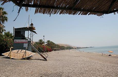 חוף בכנרת. אישור ישן למלון, שכולל ייבוש שטחי ים