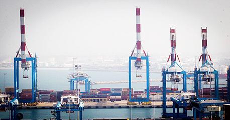 נמל חיפה עגורנים, צילום: גיל נחושתן