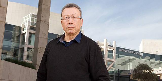 """מנכ""""ל תיאטרון הקאמרי נעם סמל פורש אחרי 24 שנים בתפקיד"""