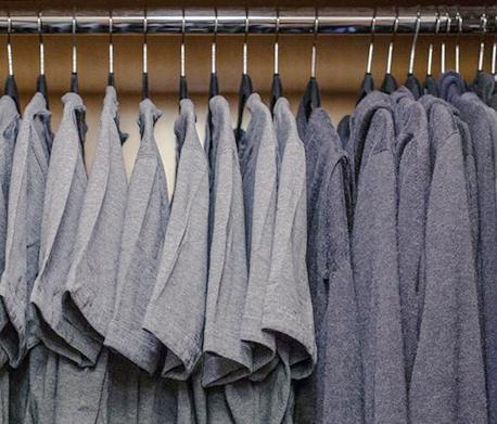מרק צוקרברג ארון חולצות טי שירט פייסבוק