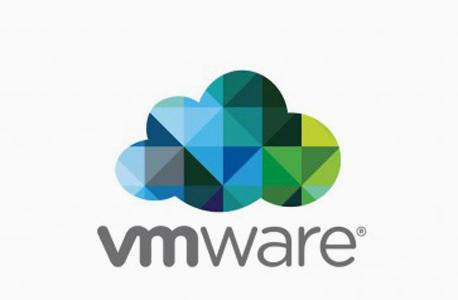 פט גלסינגר לא עוזב את VMware