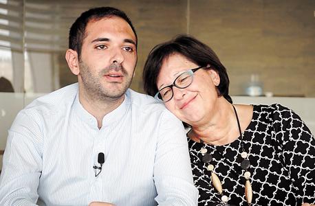 ג'וליה זהר ובנה יוסף זהר, מנהלי מפעל הטחינה אל-ארז
