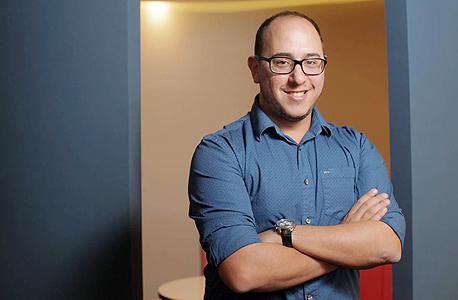 גידו סנדרוביץ, סטודנט למינהל עסקים במכללה למינהל, התלווה לאדם סינגולדה
