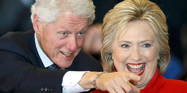 הילארי וביל קלינטון קיבלו בשנה שעברה 10 מיליון דולר על הרצאות - ומה עם טראמפ?