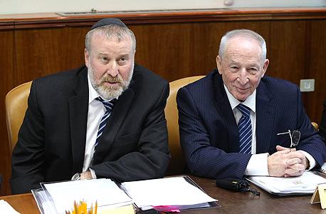 מימין:  יהודה וינשטיין היועץ המשפטי לממשלה לשעבר והיועץ הנוכחי אביחי מנדלבליט