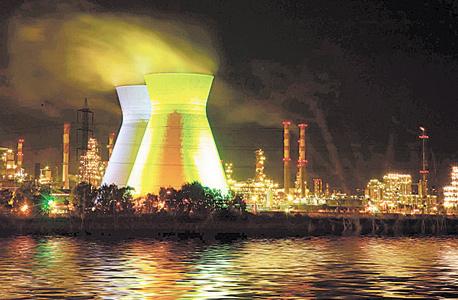 מפעלי בזן במפרץ חיפה