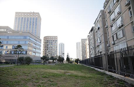 מגרש בו יוקם מגדל אשפוז חדש בבית חולים איכילוב, צילום: אוראל כהן