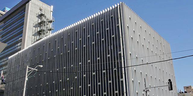 בניין בנק לאומי הרצל פינת יהודה הלוי תל אביב, צילום: עמית שעל