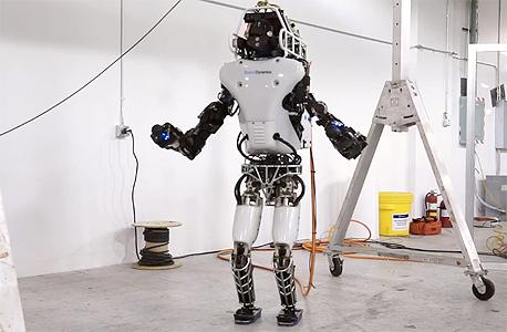 רובוט אטלס של בוסטון דיינמיקס. כוכב יוטיוב, אבל לא רווחי עבור החברה