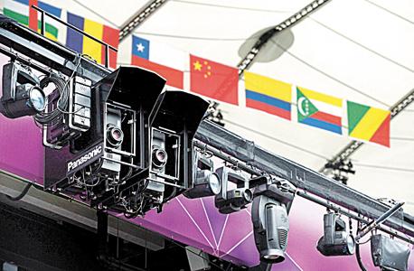 מערכת המקרנים באולימפיאדה נותני ה חסות מסייעים המון בשידור