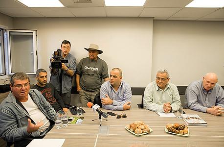 ישיבת ראשי רשתות שיווק עם החקלאים , צילום: אוראל כהן