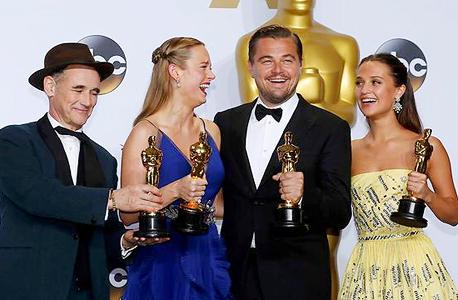 השחקנים הזוכים: אליסיה ויקנדר, ליאונרדו דיקפריו, ברי לארסון ומארק ריילנס , צילום: רויטרס