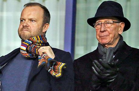 אד וודוורד (משמאל) עם בובי צ