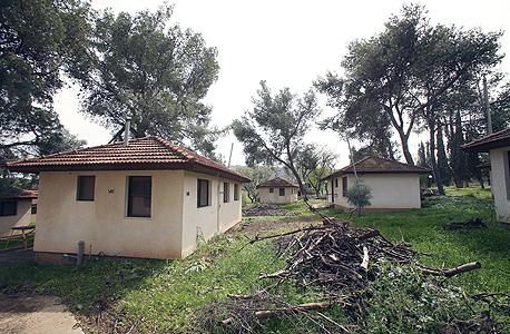 כפר הנופש הנטוש בכפר חיטים