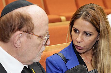 ענבל אור ב בית המשפט עו ד יעקב וינרוט, צילום: אוראל כהן