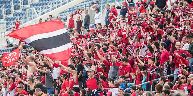 בכדורגל משתלם להיות חברתי וקהילתי