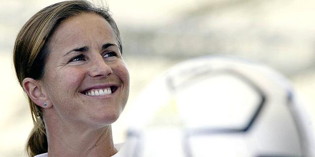 כוכבת הכדורגל לשעבר הכריזה: אתרום את מוחי לחקר זעזועי מוח