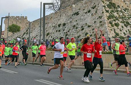 מרתון ירושלים בשנה שעברה. כ-22 אלף משתתפים השנה, צילום: אוהד צויגנברג