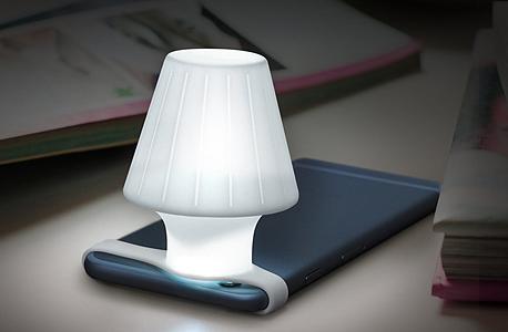 כל סמארטפון צריך מנורה, צילום: amazon.com