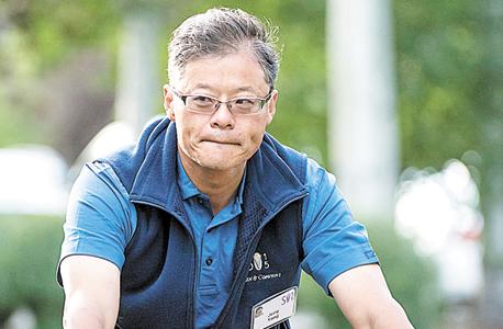 מייסד יאהו ג'רי יאנג. מאז עזב, החברה שהקים מדשדשת