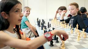 שיעור שחמט במרכז למחוננים ב רמת השרון, צילום: עמית שעל