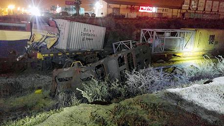 דליפת ברום עקב תאונת הרכבות ליד דימונה, באדיבות: מכבי אש