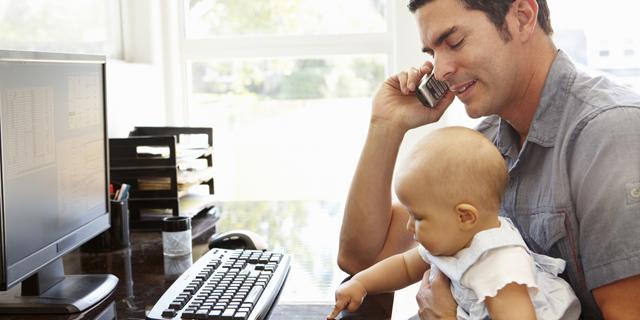 אנשים שעובדים מהבית מערבבים יותר את העבודה והחיים הפרטיים, צילום: שאטרסטוק