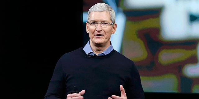 """טים קוק מציין 5 שנים כמנכ""""ל אפל עם מענק של  135 מיליון דולר במניות"""