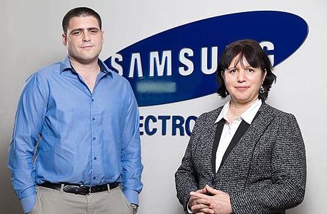 מימין: רותי אדר והסטודנט דרור פירסט