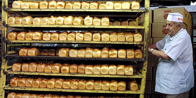 """""""המאפיות נותנות לקמעונאים הנחות גדולות על לחם מפוקח"""""""