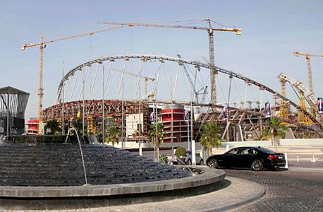 אצטדיון כדורגל שעובדים עליו בקטאר לקראת מונדיאל 2022