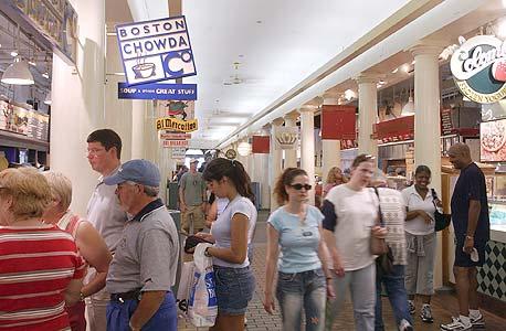 """ארה""""ב: המסחר המקוון הוזיל את הנדל""""ן במרכזי קניות"""