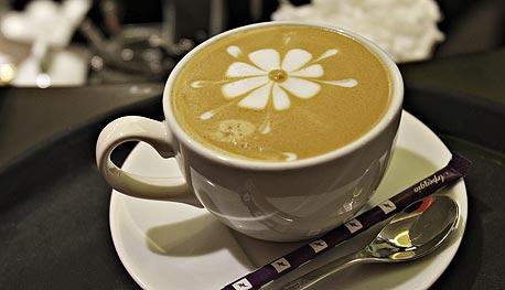 עוד סיבה לשתות קפה: הוא הופך אתכם למוסריים יותר