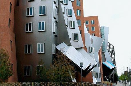 בניין מדעי המחשב ב-MIT. לא חייבים להיות שם כדי ללמוד שם