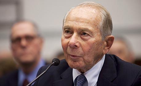 """מנכ""""ל AIG לשעבר תובע 25 מיליארד דולר מהממשל האמריקאי"""