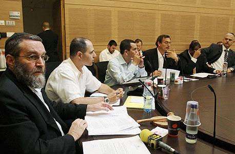 """גפני: """"אעלה את חוק הגמ""""חים רק אחרי שיאושר חוק בנק ישראל"""""""