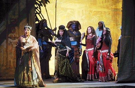 לראשונה: הסכם קיבוצי לזמרי מקהלת האופרה