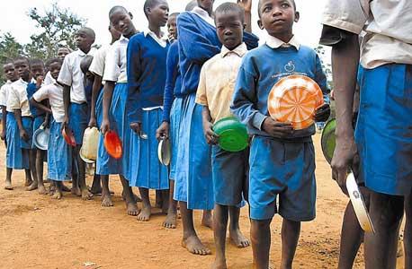 ילדים בקניה. הסמארטפון יכול לקדם את התושבים יותר מהמחשב