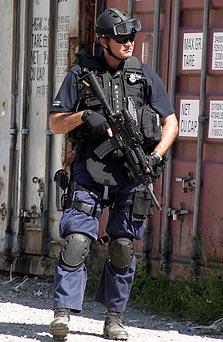 שוטר אוסטרלי. יפטרל סביב הראוטר?, צילום: אי פי איי