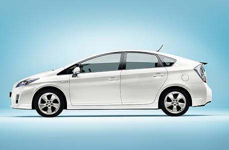 פריוס היא המכונית הנמכרת ביותר ביפן
