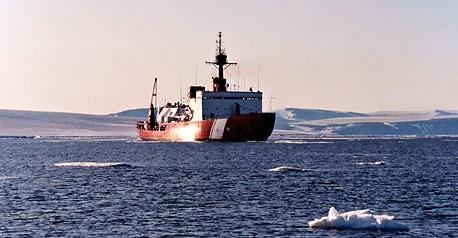 ההתחממות הגלובלית: ספינות חצו לראשונה את הים הארקטי ללא שוברות קרח