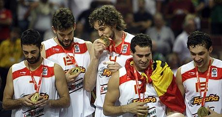 פאו גאסול וחברים. כשספרד משחקת כמו שהיא יכולה, אין מדינה ביבשת שיכול לדגדגה.