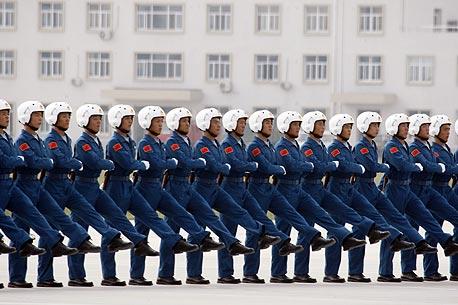 חיילי הצבא העממי בחזרות אחרונות