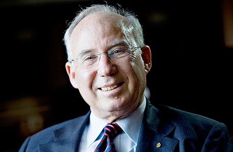 יעקב פרנקל סגן נשיא AIG נגיד בנק ישראל לשעבר, צילום: בלומברג